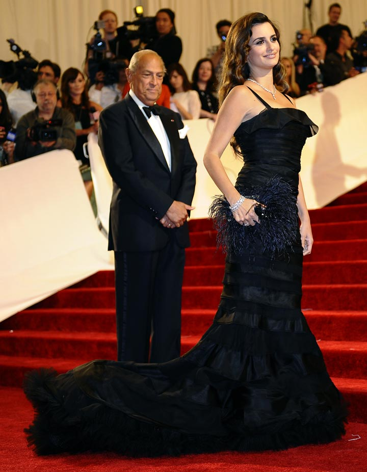 Oscar de la Renta - A life on the red carpet