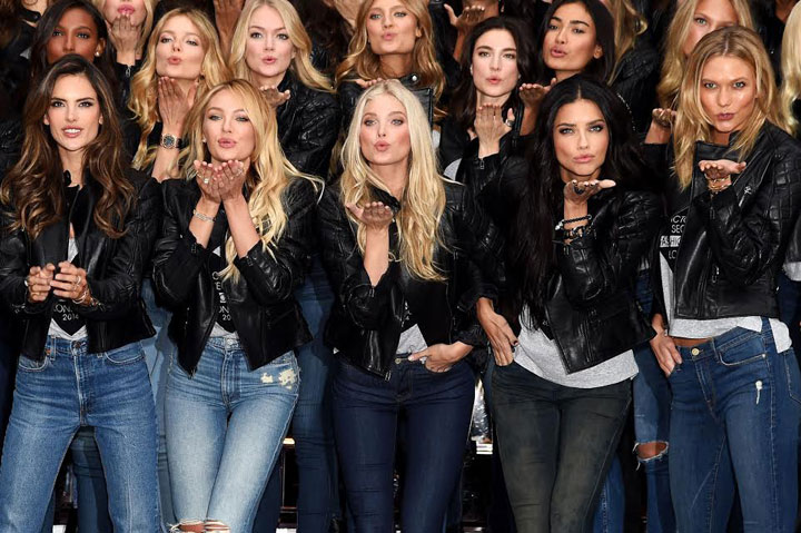 Victoria's Secrets Models Stun Shoppers at New Bond St. Store