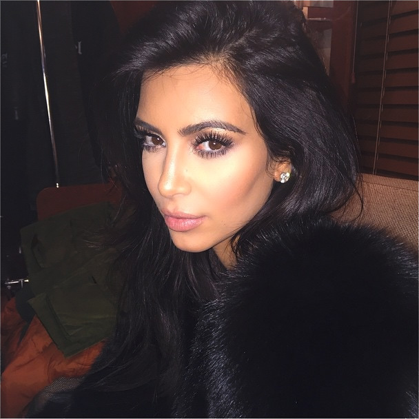 Kim Kardashian Says 'No' to #NoFilter, Photoshops her Selfies?