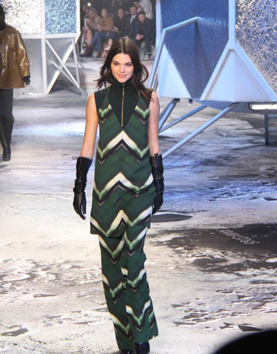 Kendall Jenner Alive and Well in H&M Show at Paris Fashion Week