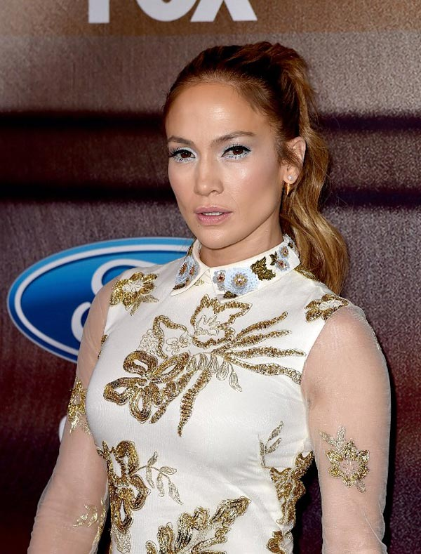Jennifer Lopez's Legs are the New Star of American Idol
