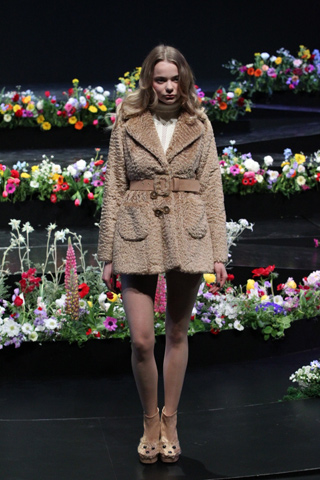 Tokyo Fashion Week Day 1: Labyrinths, Confetti, and Parisienne Pirates