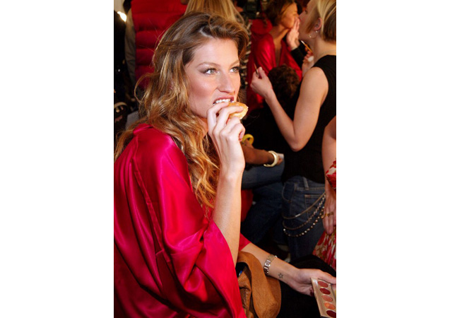 Gisele Bundchen Retires: 10 Best Victoria's Secret Moments Off the Runway