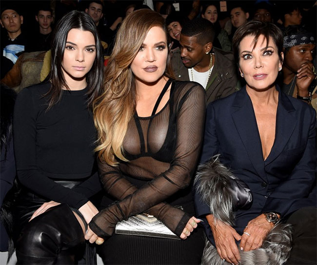 Khloe Reveals Kardashian Family Secret to Stretch Marks