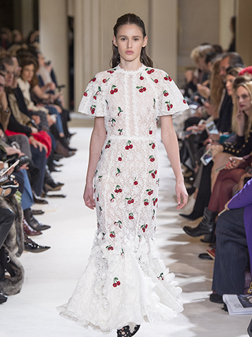 Giambattista Valli Autmn-Winter 2017-2018 Show