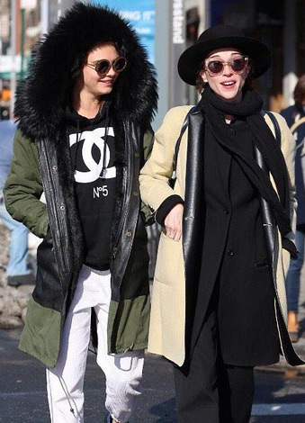 Are Cara Delevingne and St. Vincent Official?!