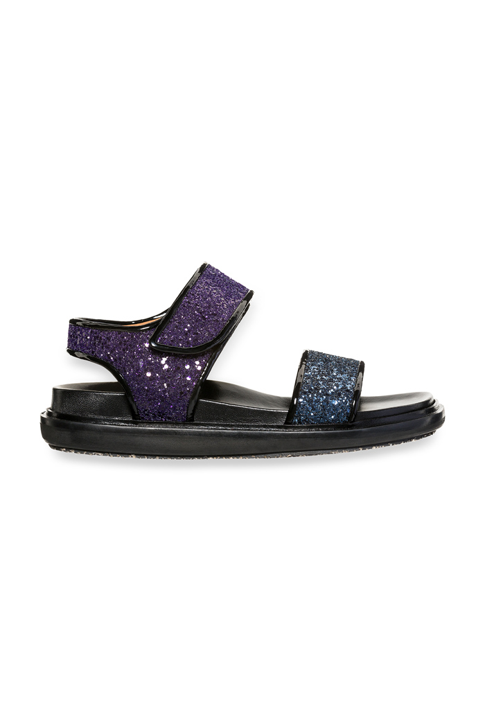 'Fussbett' sandals