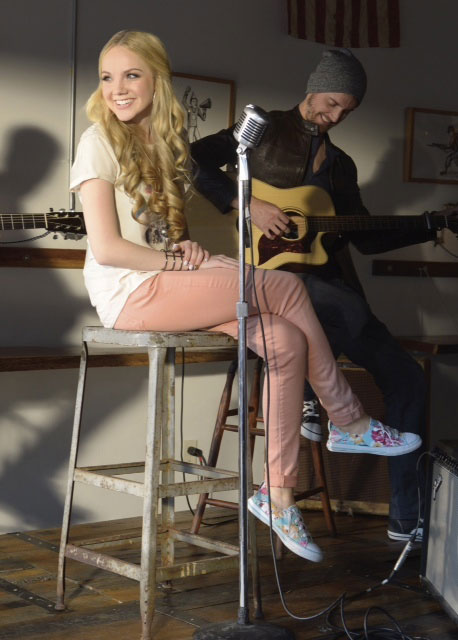 'The Voice' winner Danielle Bradbery to front Skechers campaign