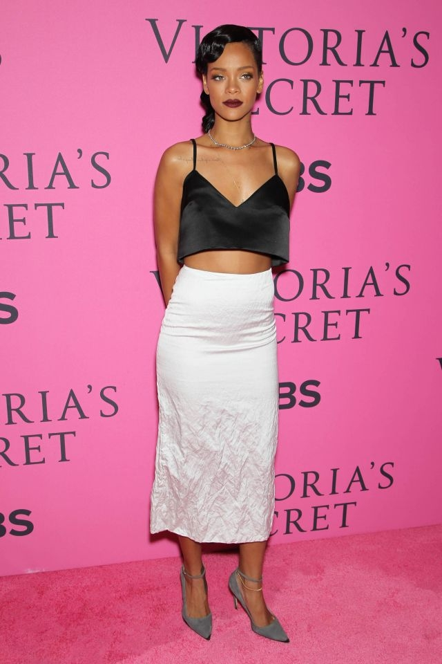 Hot trend: Bare midriffs