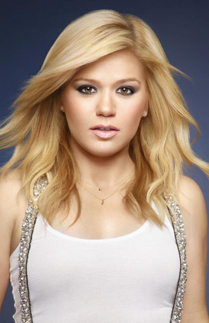 CITIZEN Introduces Grammy Award Winner Kelly Clarkson as New Brand Ambassador