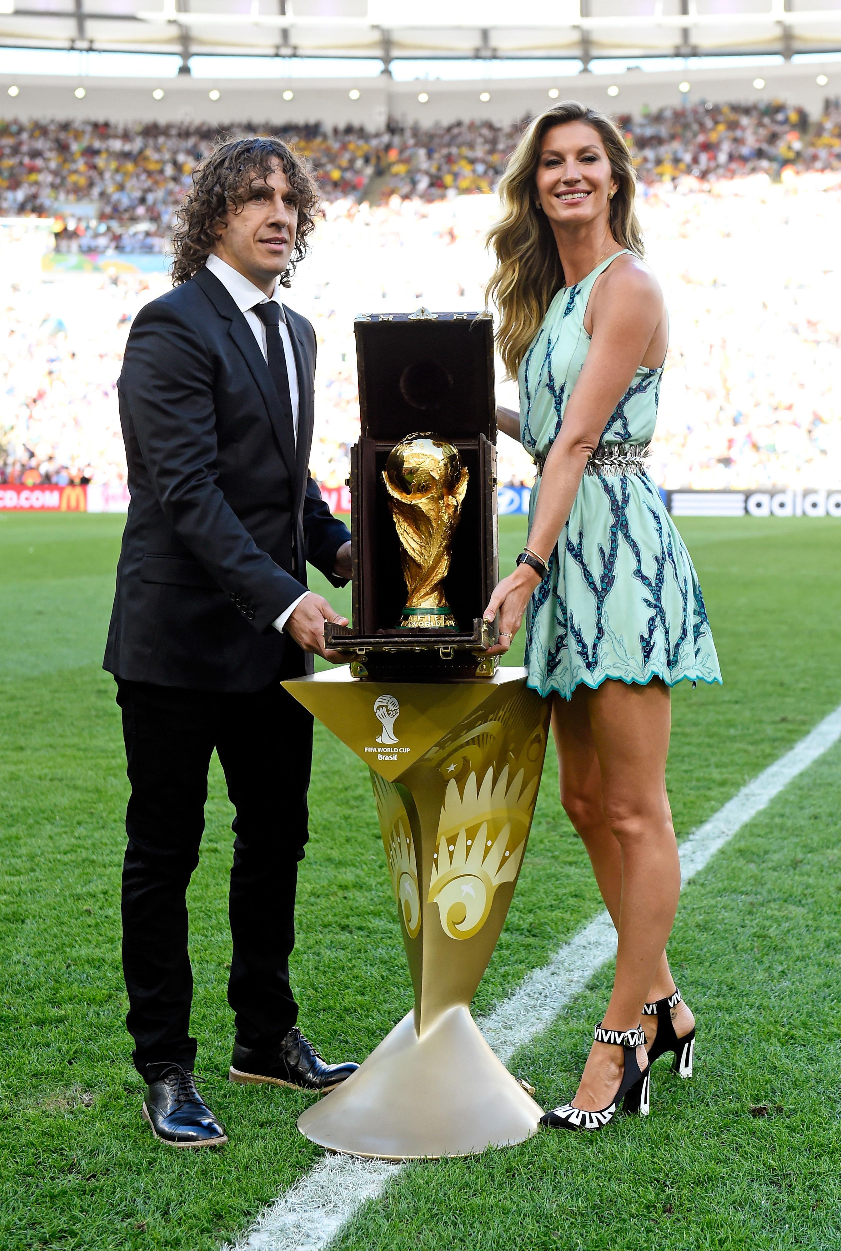 Жизель Бундхен появилась на вручении Кубка мира по футболу в Louis Vuitton